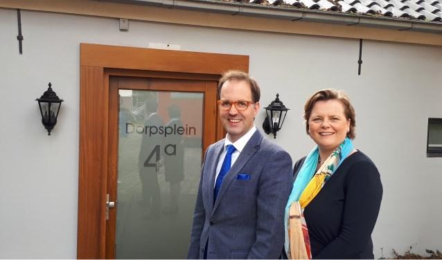 Martino en Lyda van Zoeren openen de deur van Uitvaartcentrum Doorn.