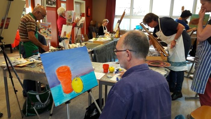Vrije Kwasten aan het schilderen in de Moespot
