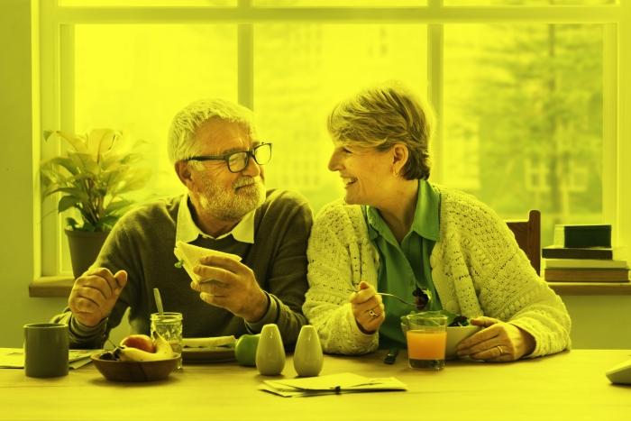 De achteruitgang van het gehoor wordt vaak pas opgemerkt als mensen de veertig gepasseerd zijn.