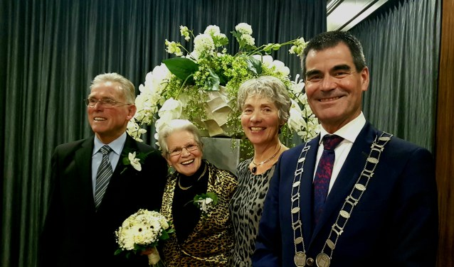 Vereerd met het bezoek van de burgemeester en zijn vrouw