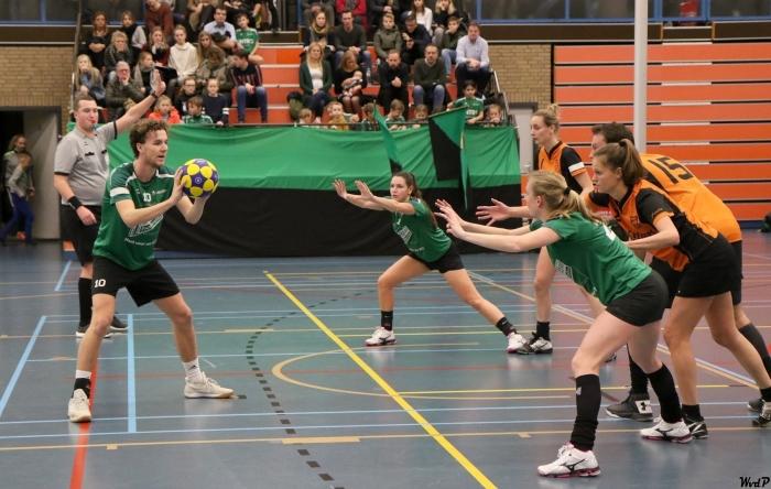 Christian rouwer neemt vrije bal Wim v.d.Pijl © BDU media