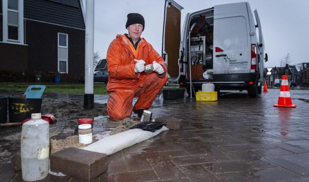 Aan de Wyandottelaan in Barneveld werden vanochtend de eerste zandmonsters genomen.