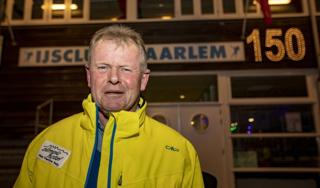Peter Looij op de ijsbaan in Haarlem