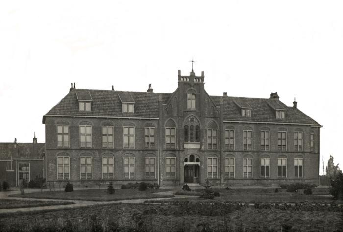 Het voormalige klooster en meisjesschool Leo's Oord n.v.t. © BDU media
