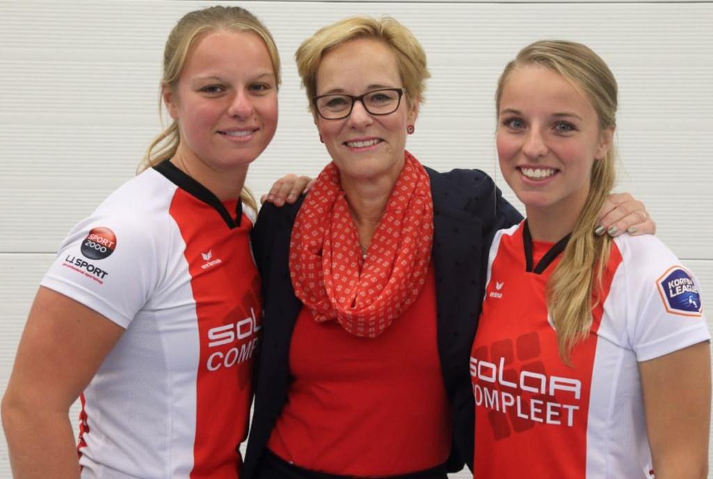 Maykee Brouwer (rechts) is bij TOP niet langer meer 'het zusje van' Barbara Brouwer.