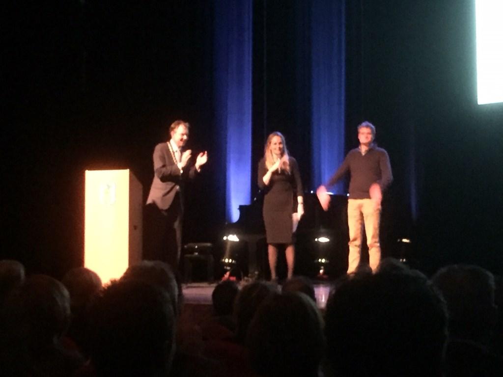Voorzitter Johan Laseur van Crescendo krijgt applaus. Christin Schut © BDU media