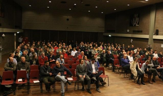Verontruste bewoners kwamen in december bijeen om te praten over mogelijke claims tegen de provincie Gelderland en Vink.