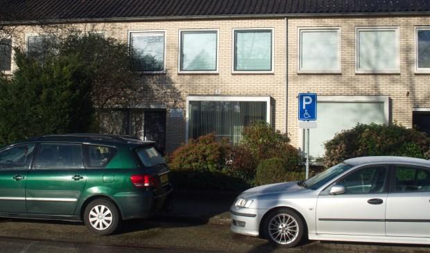 Het woonhuis aan de Jagersdreef is ongeschikt, maar tandartspraktijk Schuller-Michielse mag niet naar Nijendal. Michiel Schaaij © BDU