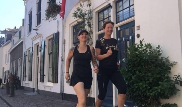 Mirjam Melai en Jorien Oosterwijk van Mindful Run Amersfoort.