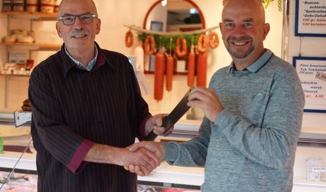 Jan Geerse geeft deze maand het bijltje over aan Gert-Jan Veenendaal.