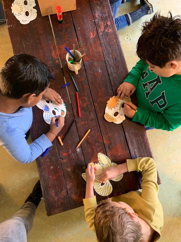 Maskers kleuren Kinderboerderij De Vliert © BDU media