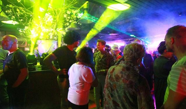 De dansvloer in de Speeldoos stond zaterdag de hele avond stampvol.