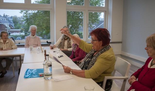 Sybil van Dam leest het verhaal van de vermiste kater Godfried voor