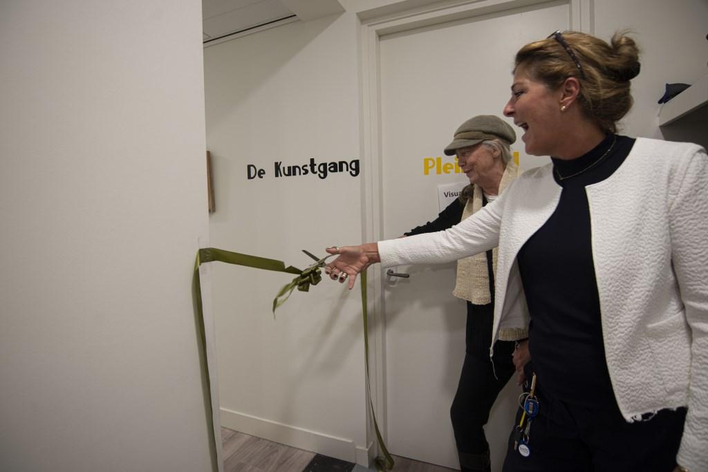 Caroline Kloppenburg opent de kunstgang Ellen Toledo © BDU media