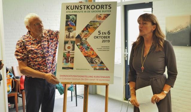 Ondersteund door Theo Groot verrichtte wethouder Marja Ruigrok de opening van de Kunstkoorts in de Groene Buffer 2019