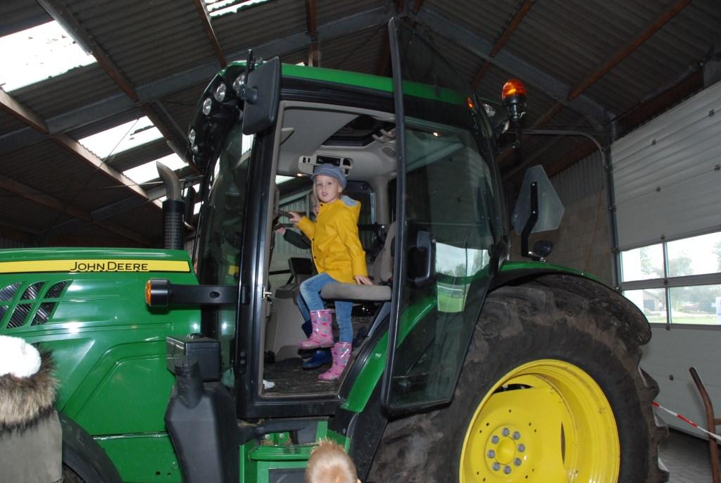 Even in zo'n grote tractor zitten was ook besten heel leuk. Adriaan Hosang © BDU media
