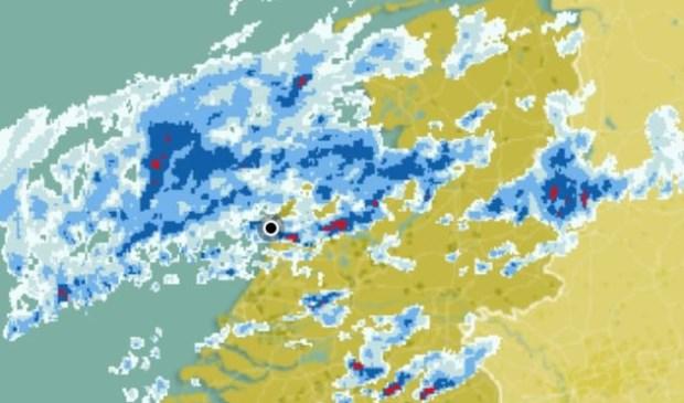 De wateroverlast is nog lang niet voorbij. Weeronline.nl © BDU media