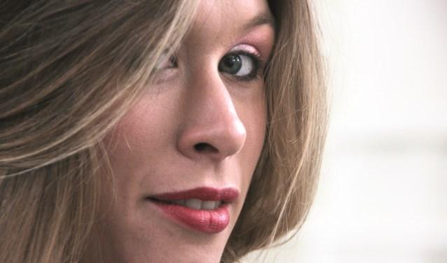 Mezzosopraan Emma Brown en organiste Willeke Smits nemen je op 1 novmeber mee naar Engeland, Noorwegen en Amerika.