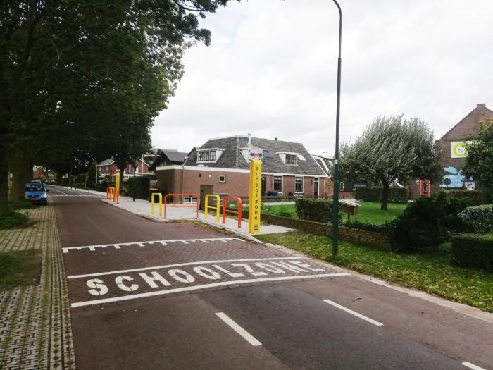 brede fietsstroken en een extra brede stoep voor basisschool de Boogerd