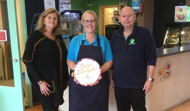 Mary van Duijn (teamleider bovenbouw), Joyce Blom-Medenblik (kantinemedewerker), Ed Dekker (conciërge).