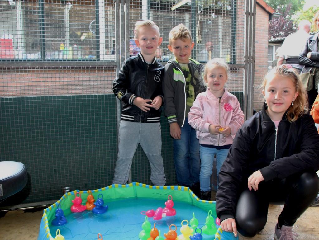 Hannes (4), Javy (7), Talitha (2) en Chanel (11) deden actief mee met de spelletjes op de open dag Marina van Hooft © BDU media