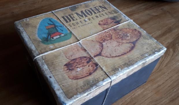 <p>Koekblik van koekfabriek De Molen.</p>