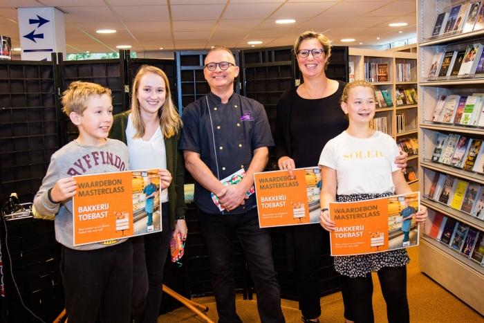 Winaars taartbakwedstrijd Hoevelaken Bibliotheek Hoevelaken © BDU Media