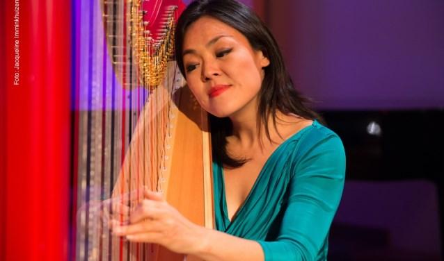 Harpiste Lavinia Meijer speelt op 16 en 29 november twee soloconcerten in de Edesche Concertzaal.