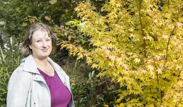 Marian van Zuijdam en haar man hebben al drie jaar een tuintje op het complex Onze Vrije Tijd.