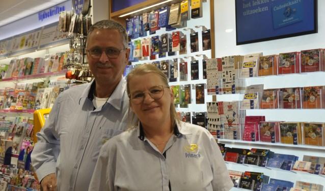 In de Primera-winkel kunnen klanten terecht voor tijdschriften, boeken wenskaarten en kantoorartikelen, maar ook voor bankzaken van ING.
