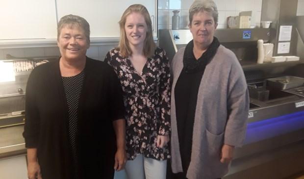 Van links naar rechts, Colinda Baas, Kelly Leurs en haar moeder Annelies Leurs.