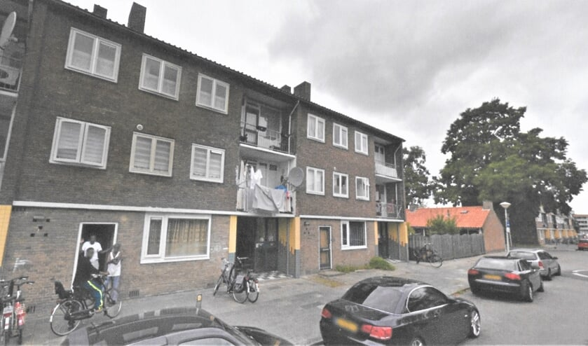 De Magelhaenstraat in de Kruiskamp. De oude flats moeten wijken voor nieuwbouw.