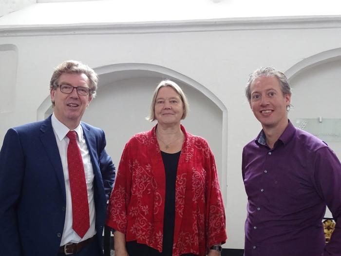 Het protestantse pastoresteam met v.l.n.r. Jan Offringa (predikant), Lydia Roosendaal (kerkelijk jeugdwerker) en Rik Willemsen (predikant-in-opleiding)