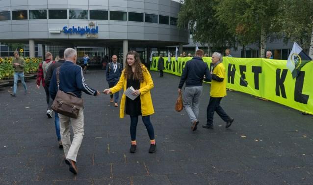 Greenpeace voerde onlangs nog actie bij het hoofdkantoor van de Schiphol Group.