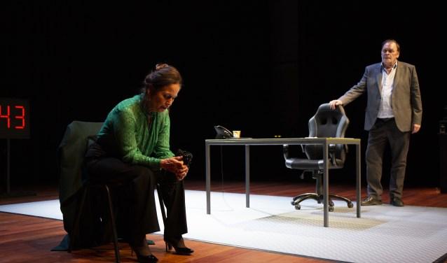 Toneelthriller 'Een Heilige Avond' met Yvonne van den Hurk en Peter Bolhuis