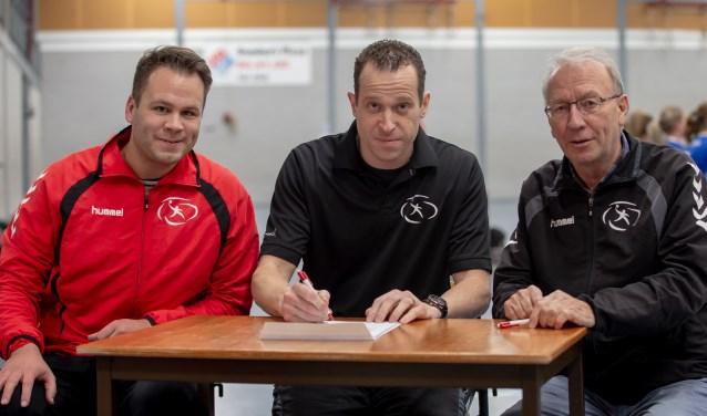 De technische mensen bij HV Reehorst (Robbert van Oel (links), Sander Barents en Leo de Wi (rechts) zien de selectie van HV Reehosrt versterkt worden.