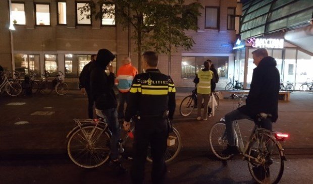 Veel fietsers fietsen zonder licht