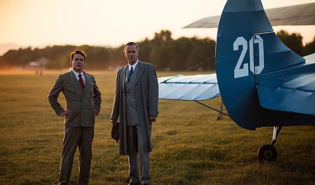 Fokker (Fedja van Huêt) en  Plesman (Daan Schuurmans).