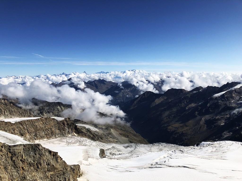 Boven de wolken was de lucht stralend blauw. Wim Jacobs © BDU media