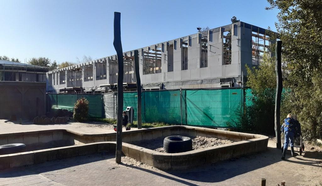 Woonzorgcentrum gezien vanaf schoolplein Camminghaschool Kuun Jenniskens © BDU media