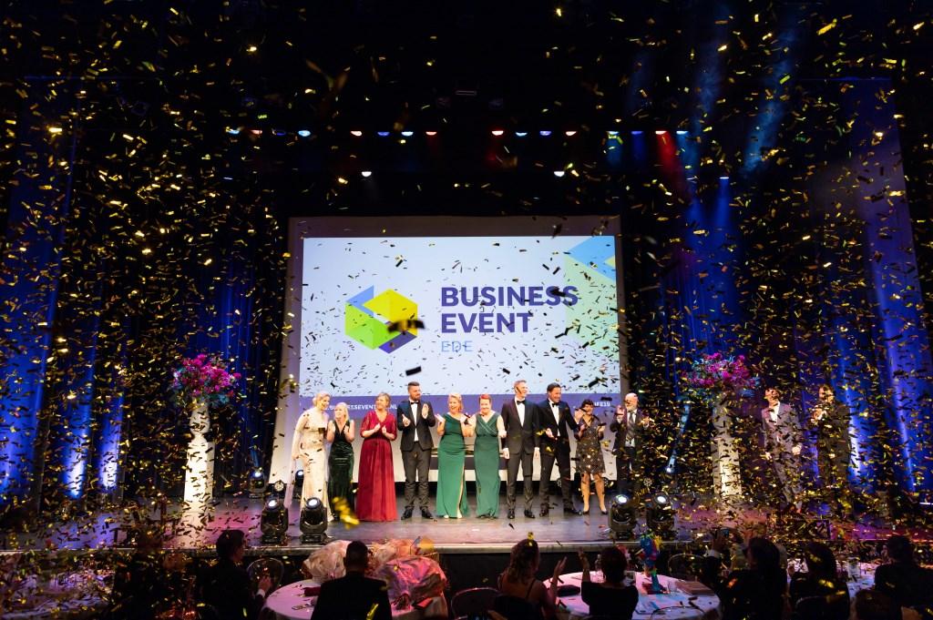 De genomineerde ondernemers op het podium van de ReeHorst.