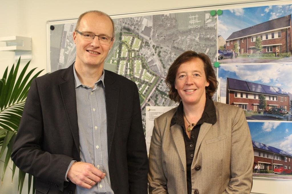 Bram Born en Marieta Peek van Woningstichting Putten proberen de 2000 Puttense huurwoningen klaar voor de toekomst te maken.