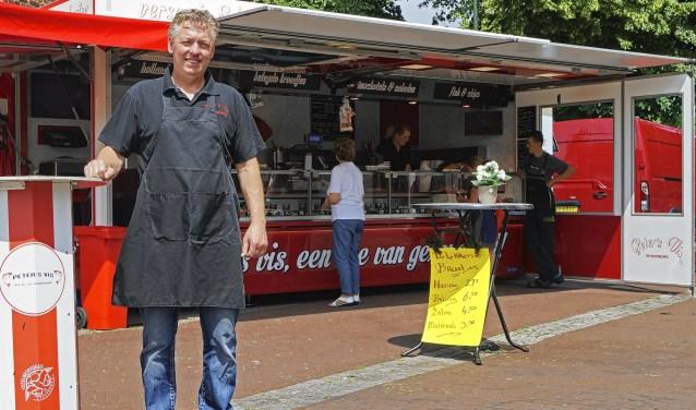 Peter van de Groep wordt op vrijdag 11 oktoberin Maarn gefilmd door RTL Z.