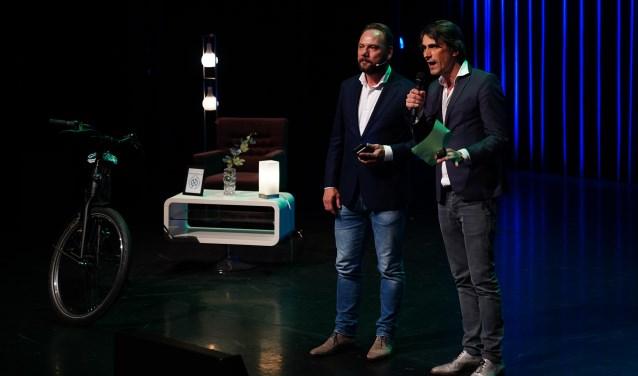 Meindert Schut en stadsdichter Matthijs den Hollander tijdens een speciale editie van BV Amstelveen.