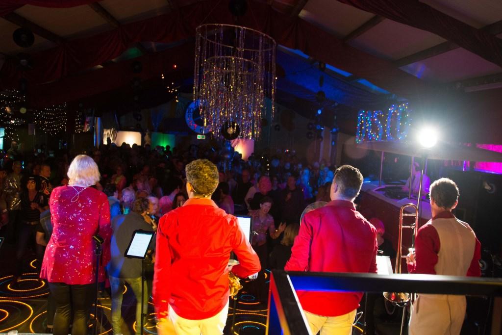 Twee jaar geleden organiseerde de Oranjevereniging het succesvolle feest 'Terug in de Tijd Tanja Vlieger © BDU media
