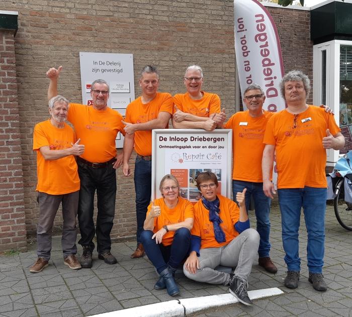 De enthousiaste vrijwilligers van het RepairCafé Driebergen