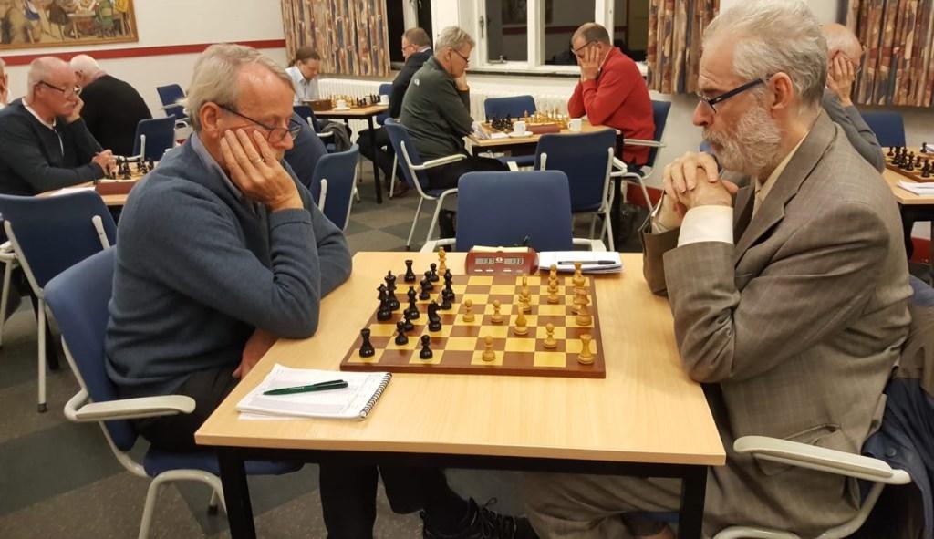 Hans van de Weteringh (rechts) speelde tegen Sjoerd de Rave. BSV Bennekom © BDU Media