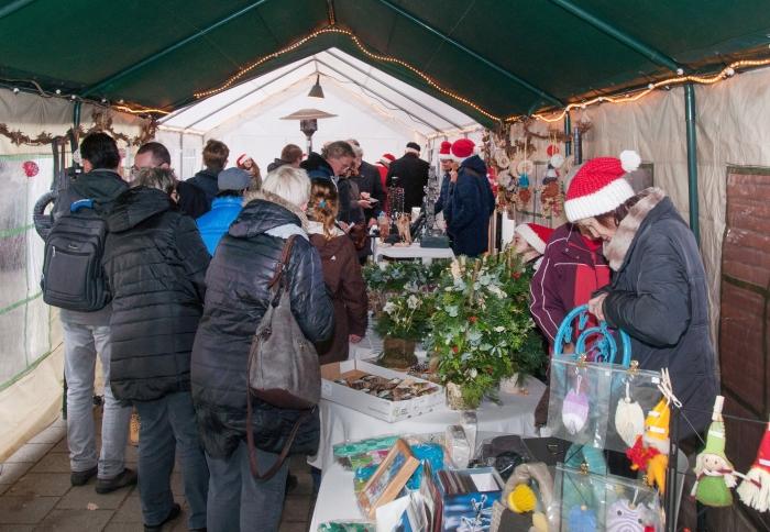 gezellige drukte bij de kerstmarkt vorig jaar