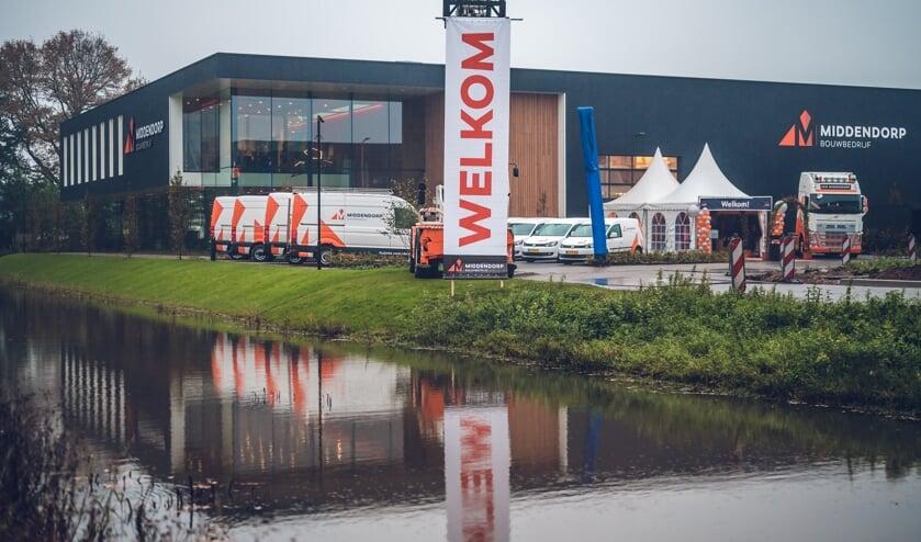 Bouwbedrijf Van Middendorp is sinds begin november gevestigd in een nieuw pand aan Het Laar.