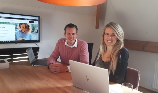 Adviseurs Mark van Leersum en Stephanie van Amerongen aan het werk.